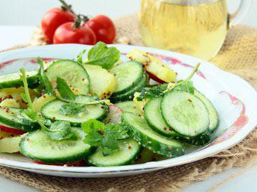 Cucumber and Cantaloupe Salad