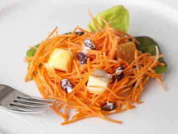 Apple-Carrot Salad