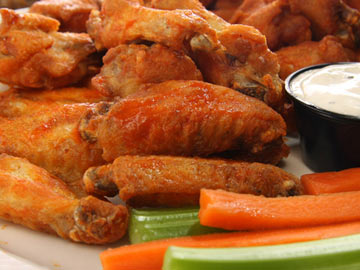 Buffalo Style Chicken Wings & Veggies