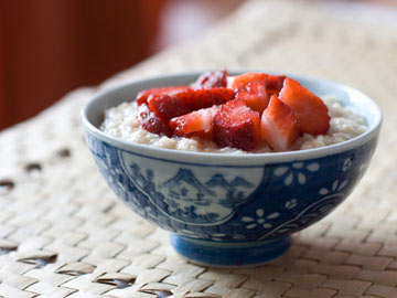 Cranberry-Strawberry Oatmeal- Dietitian's Choice Recipe
