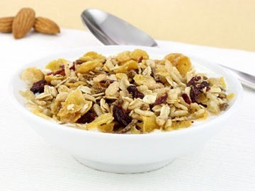 Muesli with Almonds and Fruit