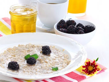 Hearty Hot Cereal & Berries
