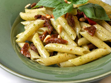 Penne Pasta with Tomatoes, Garlic, Toasted Pine Nuts & Capers - Dietitian's Choice Recipe