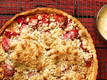 Easy Rhubarb Strawberry Crisp - Dietitian's Choice Recipe