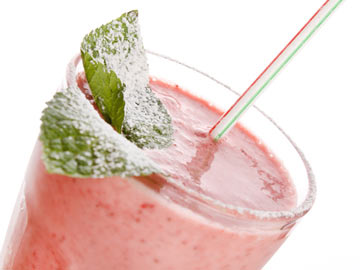 Strawberry Yogurt Shake - Dietitian's Choice Recipe