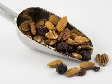 Almonds, Nutrition, history and recipes